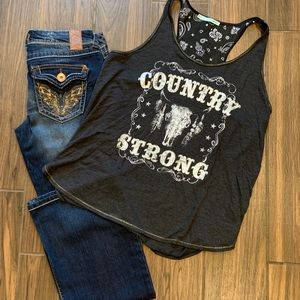 Maurice's country strong tank
